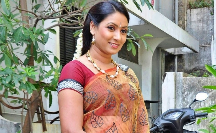 Aamani Figure, Height, Weight, Hair Colour and Eye Colour
