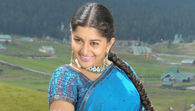 Meera Jasmine Favourite Food, Colour, Destination and Hobbies