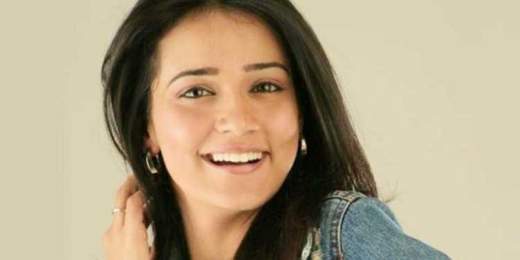 Neha Jhulka Wiki Bio Age Husband Salary Photos Video News Ig Fb Tw