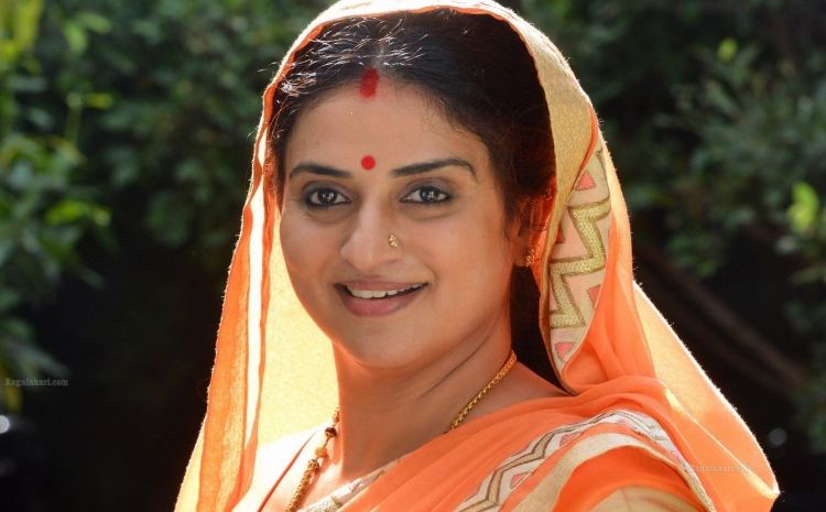 Pavitra Lokesh Date of Brith, Brith Place, Age, Sun Sign and Moon Sign