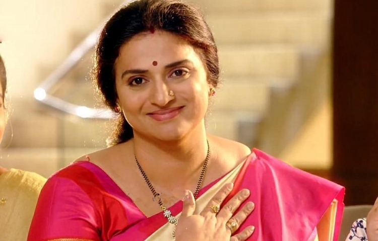 Pavitra Lokesh Famous role and Awards Won