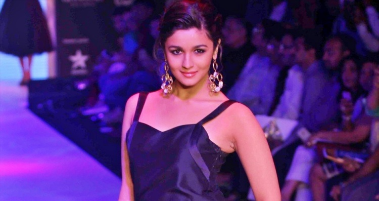 Alia Bhatt Figure, Height, Weight, Hair Colour and Eye Colour