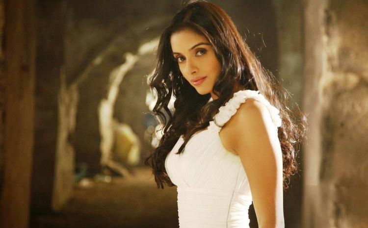 Asin Thottumkal Favourite Film, Actor and Actress