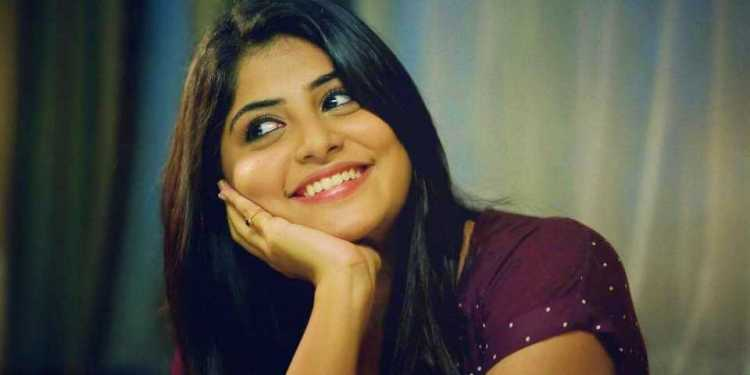 Manjima Mohan Wiki Bio Age Husband Salary Photos Videos Ig Fb Tw