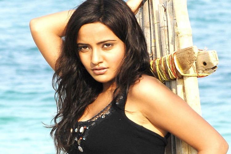 Neha Sharma Salary, Net worth and Remuneration