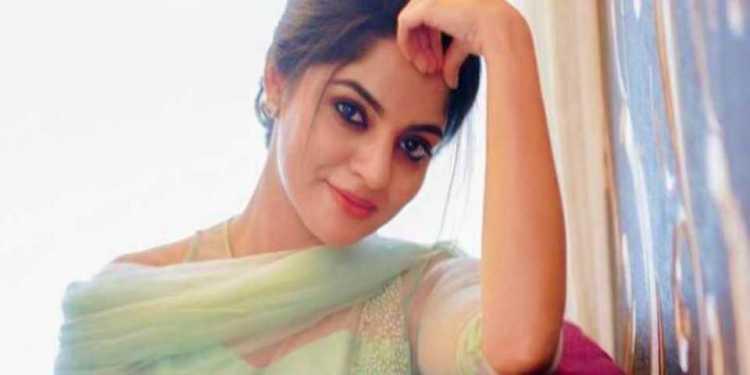 Nikhila Vimal Wiki Bio Age Husband Salary Photos Video News Ig Fb Tw