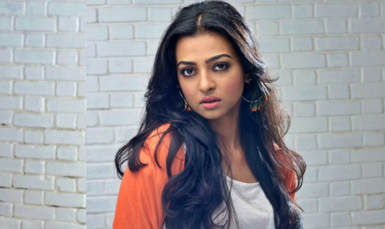 Radhika Apte Nickname, Father name, Mother name and Family details