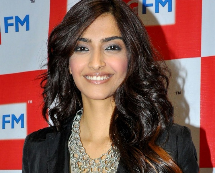 Sonam Kapoor Marital Status and Boyfriends