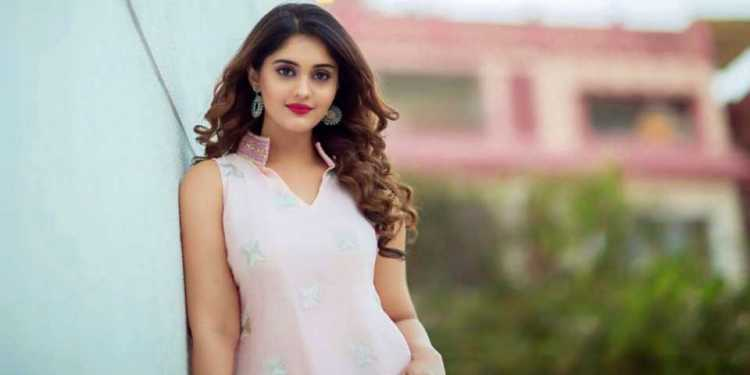 Surabhi Puranik Wiki Bio Age Husband Salary Photos Videos Ig Fb Tw