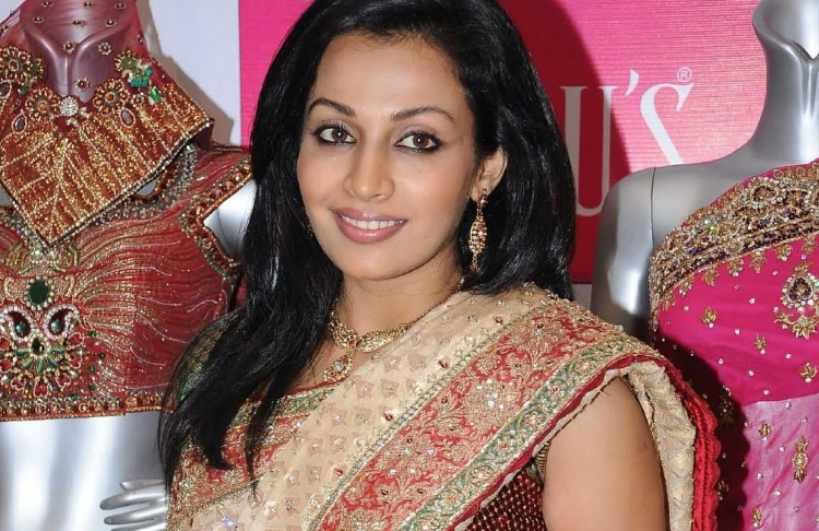 Flora Saini Famous role and Awards Won