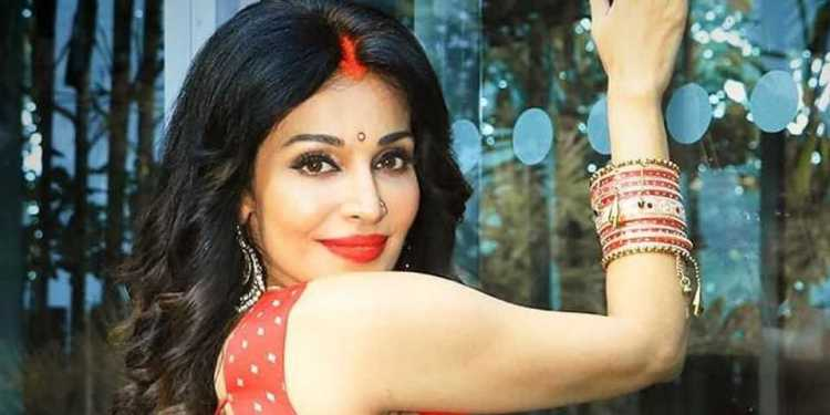 Flora Saini Wiki Bio Age Husband Salary Photos Video News Ig Fb Tw
