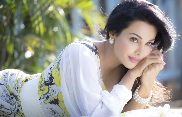 Flora Saini Wiki and Biography