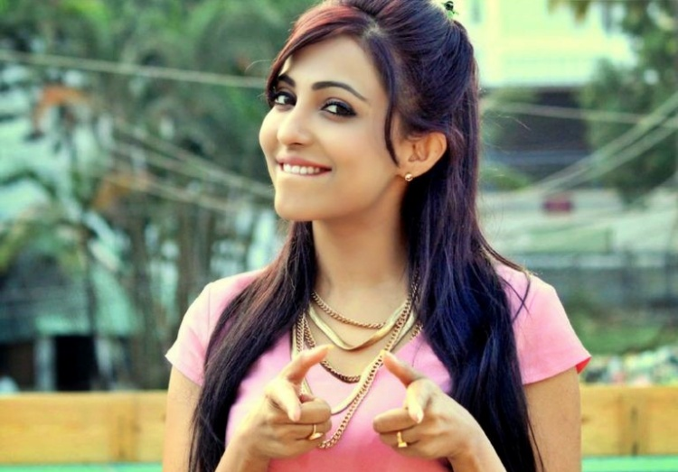 Parvatii Nair Nickname, Father name, Mother name and Family details