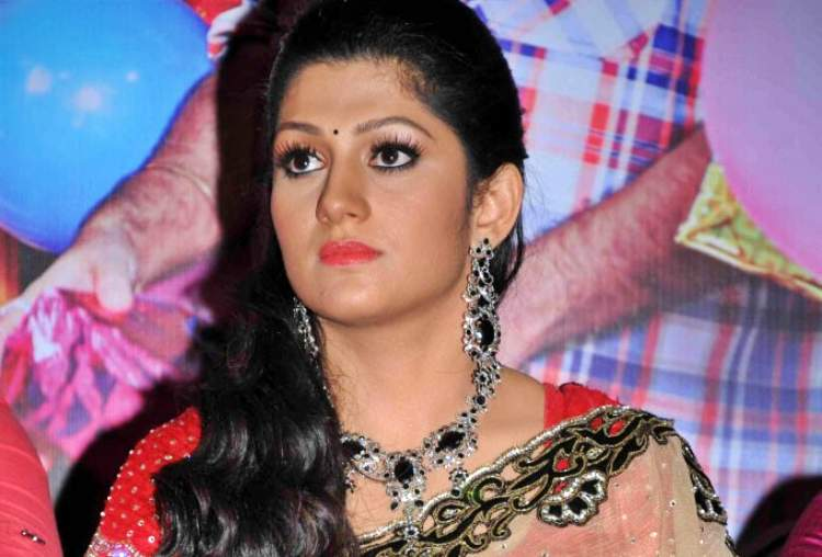 Radhika Kumaraswamy Date of Brith, Brith Place, Age, Sun Sign and Moon Sign