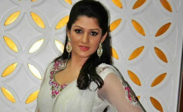 Radhika Kumaraswamy Favourite Food, Colour, Destination and Hobbies