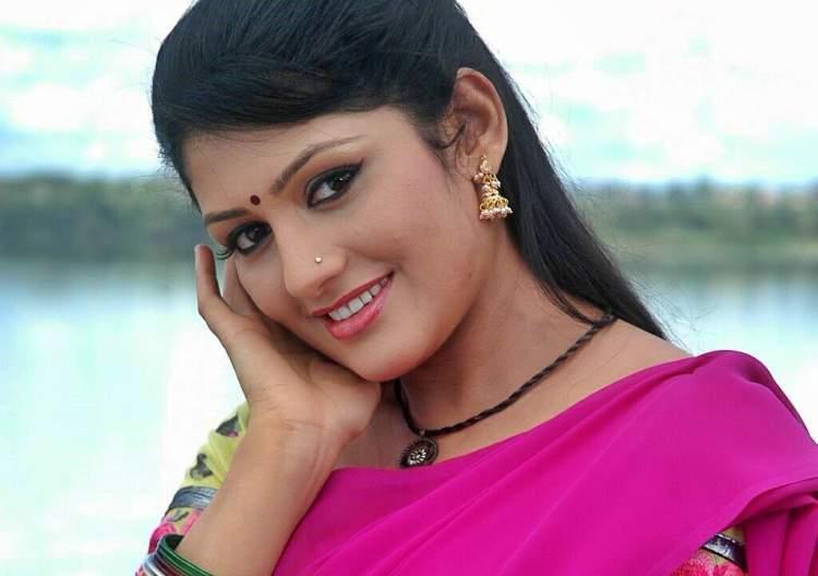 Radhika Kumaraswamy Wiki Age Husband Salary Photos Video Ig Tw