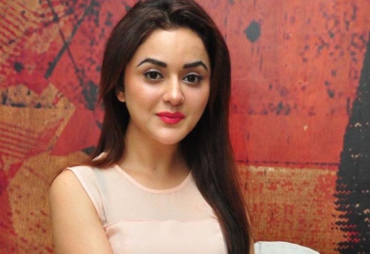 Ragini Nadwani Marital Status and Boyfriends