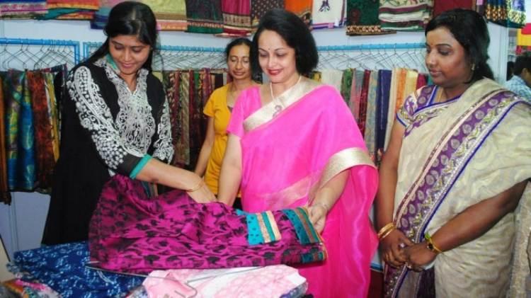 Rajani Favourite Food, Colour, Destination and Hobbies