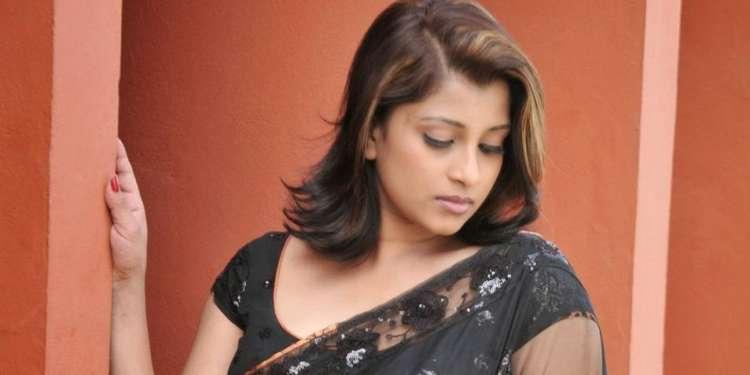 Navya Natarajan Wiki Bio Age Husband Salary Photos Videos Ig Fb Tw