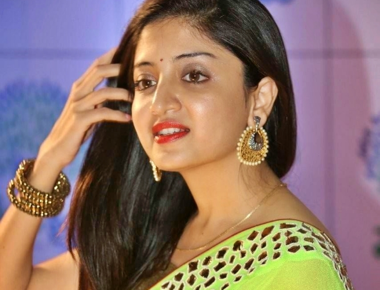 Poonam Kaur Date of Brith, Brith Place, Age, Sun Sign and Moon Sign