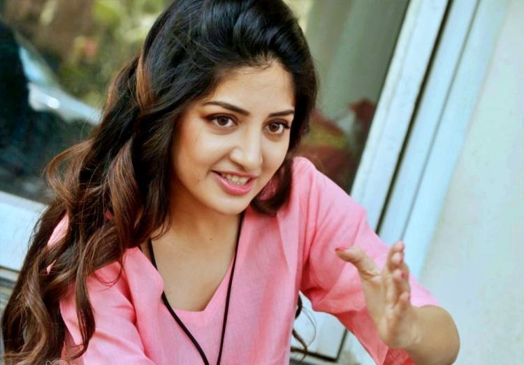 Poonam Kaur Nickname, Father name, Mother name and Family details