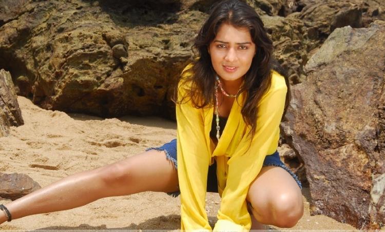 Nikita Thukral Favourite Food, Colour, Destination and Hobbies