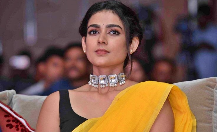 Aakanksha Singh Nickname, Father name, Mother name and Family details