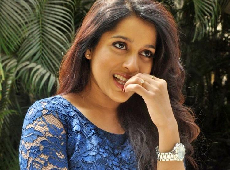 Rashmi GautamFigure, Height, Weight, Hair Colour and Eye Colour