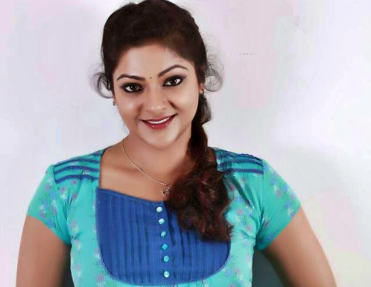 Abhirami Wiki Bio Age Husband Salary Photos Video News Ig Fb Tw