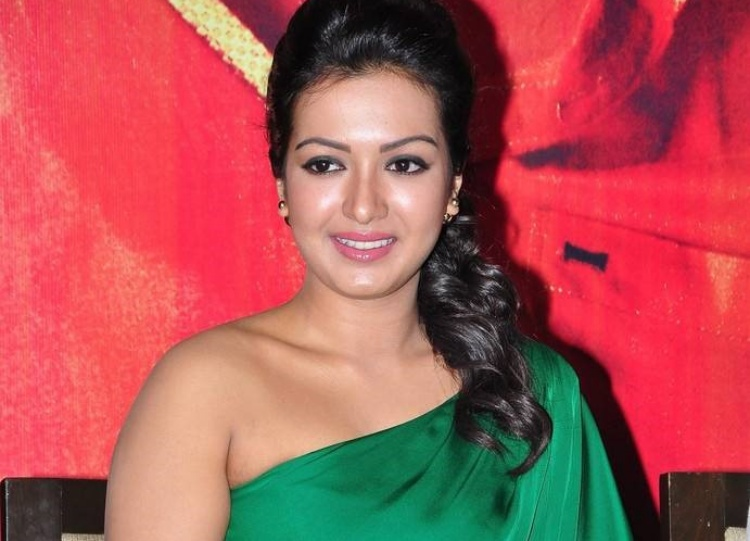 Catherine Tresa Date of Brith, Brith Place, Age, Sun Sign and Moon Sign