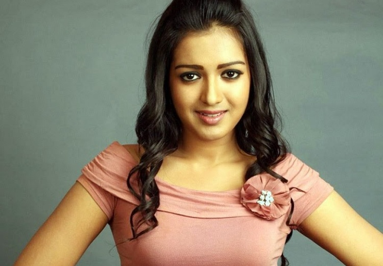 Catherine Tresa Famous role and Awards Won