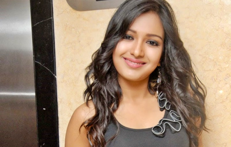 Catherine Tresa Marital Status and Boyfriends