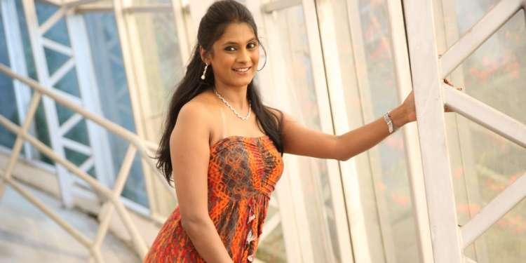 Puvisha Manoharan Wiki Bio Age Husband Salary Photos Videos Ig Fb Tw