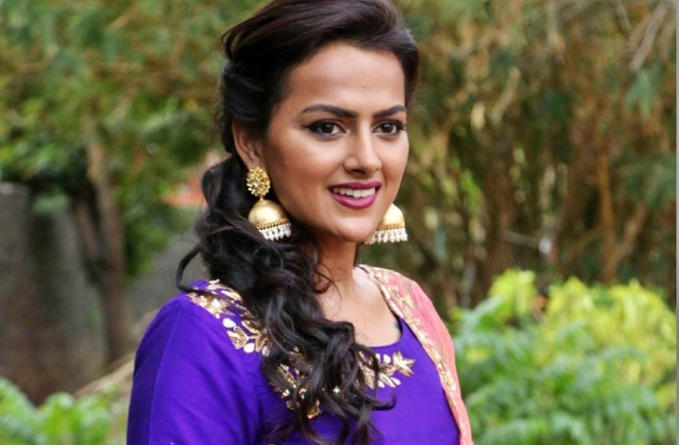 Shraddha Srinath Nickname, Father name, Mother name and Family details