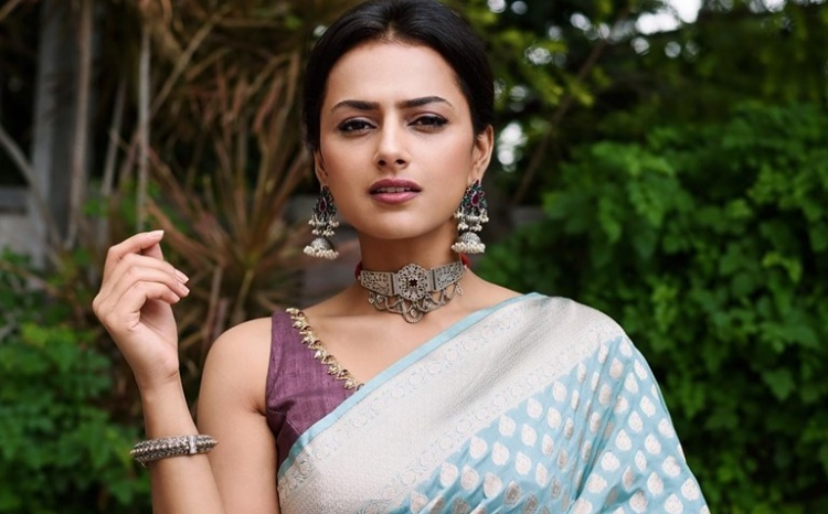 Shraddha Srinath Wiki Bio Age Husband Salary Photos Videos Ig Fb Tw