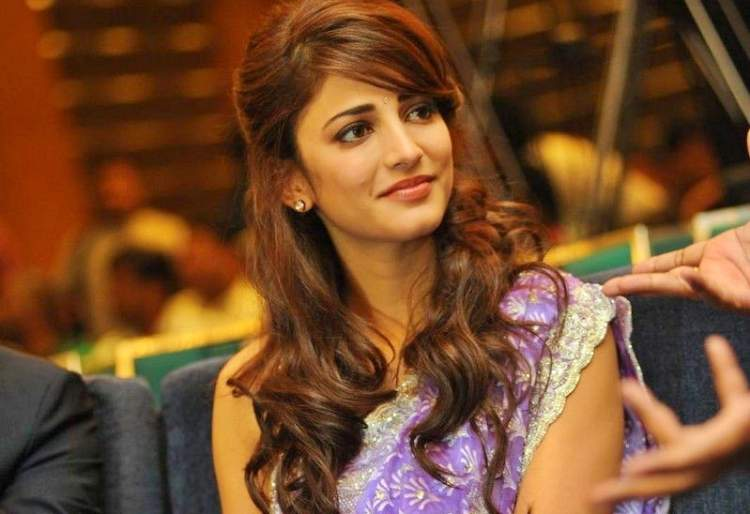 Shruthi Hassan Figure, Height, Weight, Hair Colour and Eye Colour