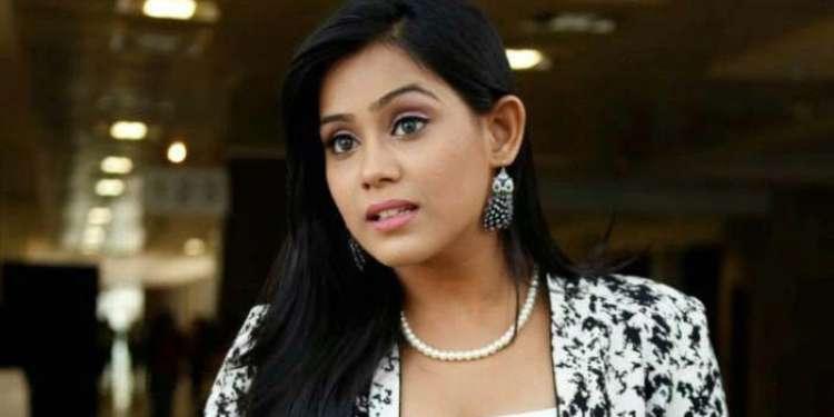 Thulasi Nair Wiki Bio Age Husband Salary Photos Video News Ig Fb Tw