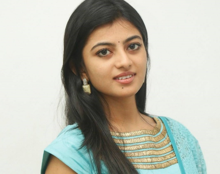 Anandhi Famous role and Awards Won