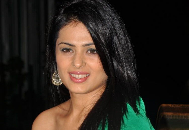 Anjana Sukhani Figure, Height, Weight, Hair Colour and Eye Colour