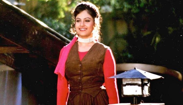 Ayesha Jhulka Famous role and Awards Won