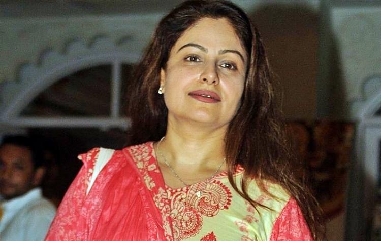 Ayesha Jhulka Favourite Film, Actor and Actress