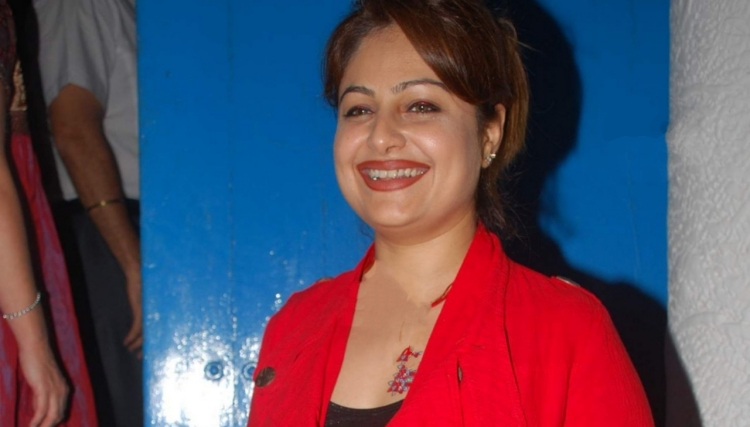 Ayesha Jhulka Marital Status and Boyfriends