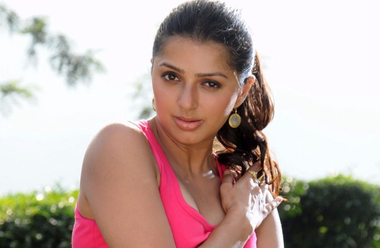 Bhumika Chawla Figure, Height, Weight, Hair Colour and Eye Colour