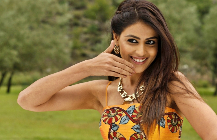 Genelia D'souza Date of Brith, Brith Place, Age, Sun Sign and Moon Sign