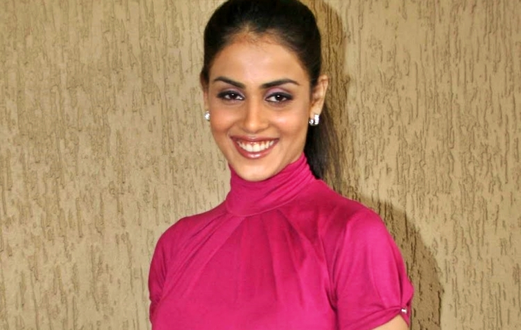 Genelia D'souza Figure, Height, Weight, Hair Colour and Eye Colour