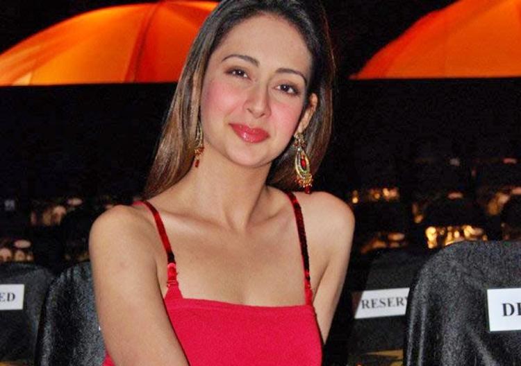 Preeti Jhangiani Figure, Height, Weight, Hair Colour and Eye Colour