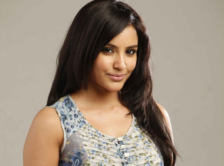 Priya Anand Famous role and Awards Won