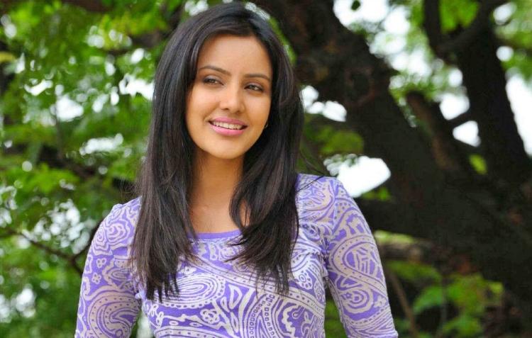 Priya Anand Wiki and Biography