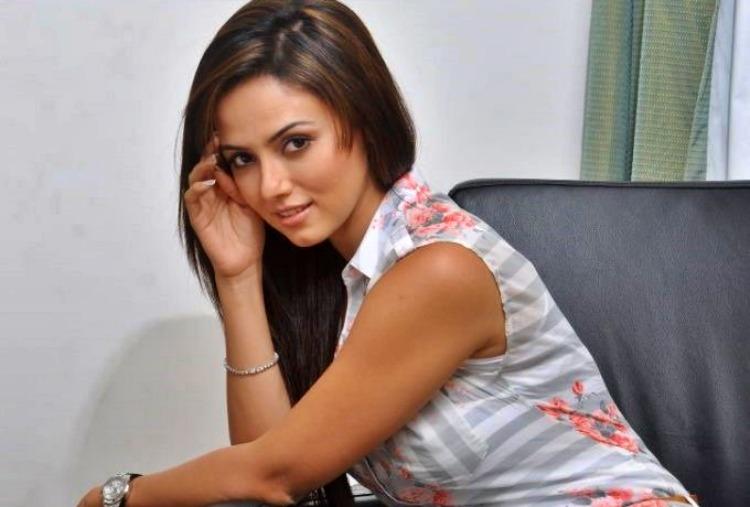 Sana Khan Nickname, Father name, Mother name and Family details