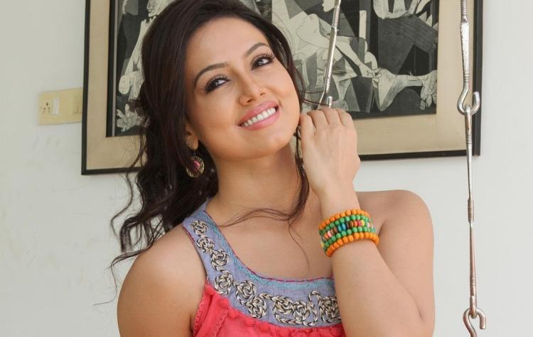 Sana Khan Wiki and Biography